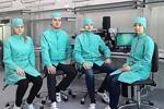 В АО «НПП «Завод Искра» создана современная лаборатория разработки сборочных процессов, где уже применяется технология изготовления гибридных СВЧ микросборок в полуавтоматическом режиме.