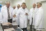 26 июня 2015 года ульяновский «Завод Искра» посетила делегация руководящего состава предприятий радиоэлектронной промышленности во главе с генеральный директором Концерна ПВО «Алмаз-Антей» Яном Новиковым.
