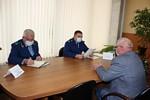 АО «НПП «Завод Искра» посетил прокурор Ульяновской области Андрей Теребунов, где он провел личный прием сотрудников предприятия.